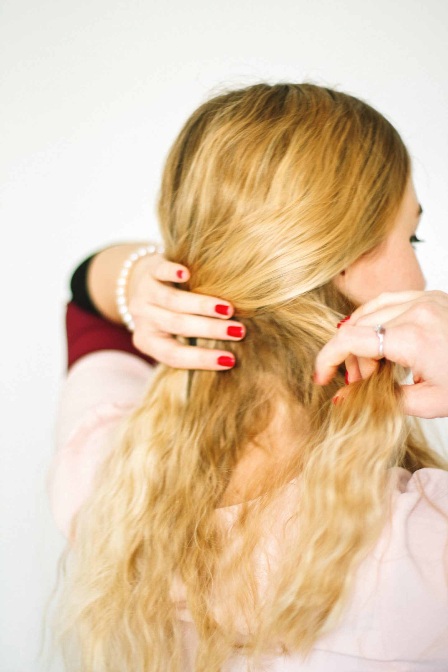How to Perfect Wavy Hair
